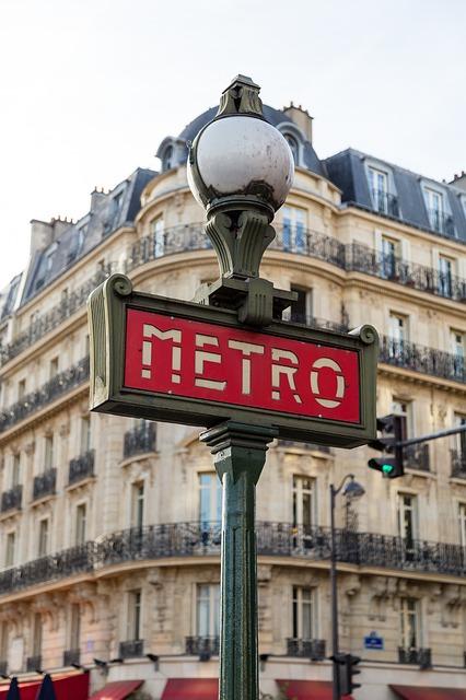 paris-1209540_640